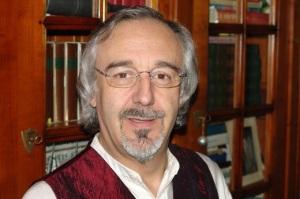 Joël Glaziou est à l'origine de l'association « Nouvelles R » et du prix de la nouvelle d'Angers qui permet de récompenser un auteur en publiant son recueil. Il est lui-même l'auteur de L'Alphabet du passeur