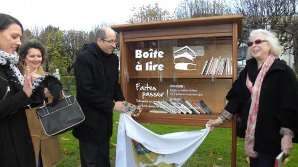 une-boite-lire-inauguree-place-albert-sorel