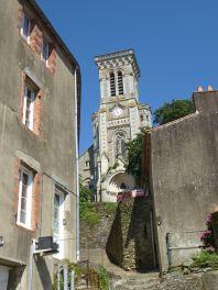 Eglise_d'Apremont_(Vendée)